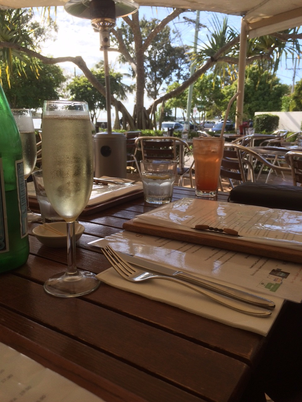Lunch and bubbles in Noosa