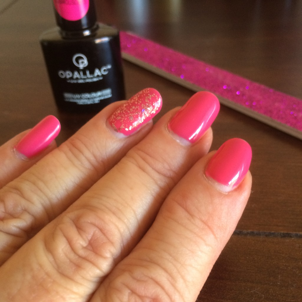 Fabulous gel nails at home